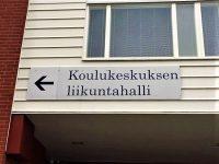Kiinteistöopaste alumiinia, tekstit teipattu. Kauhajoen Koulukeskus.